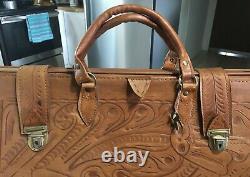 Vtg Mid Century Mod Hand Tooled Dr. Bag Leather Purse Handbag Duffle Keys 19.5